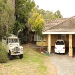 REDUCED 2 Bedroom 1 bathroom Large backyard - Hamersley thumb